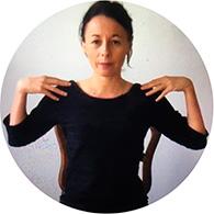 Yoga sur chaise - Marie Brouet